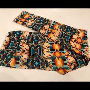 LulaRoe TC leggings Aztec print